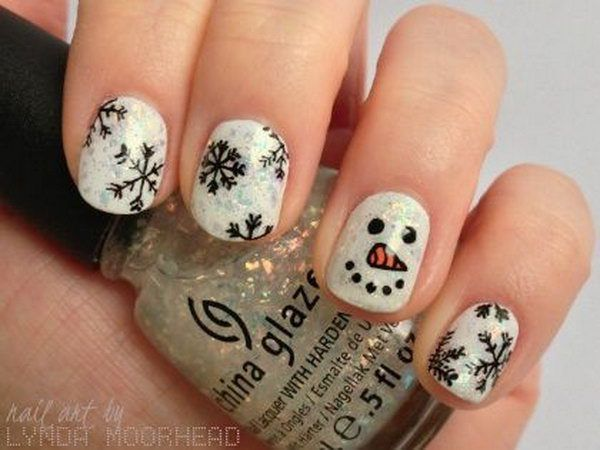 Amazing Christmas Nail Art Design Accent Red And White Snowflake