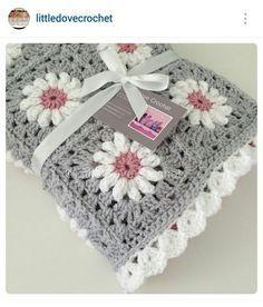 Instagram @littledovecrochet - crochet baby bkanket #parenting