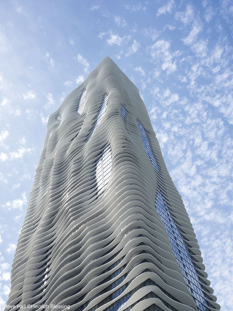 2009 Skyscraper of the Year: Magellan Development's 81-story Aqua features a hotel, condos, apartments, retail, and groundbreaking design by Jeanne Gang of Studio Gang Architects.