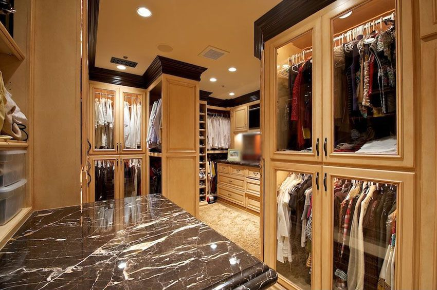 35 beautiful walk in closet designs closet designs for Beautiful walk in closets