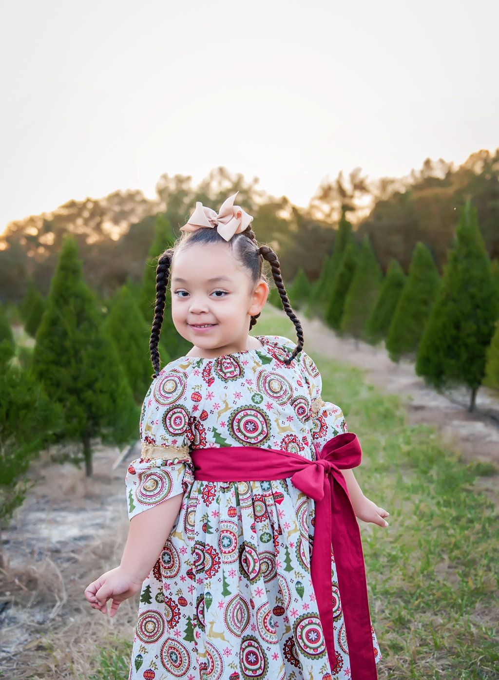 Adorable Christmas Tree Farm Family Portraits At Santa S Christmas Tree Forest In Eustis Florida Children Photography Christmas Portraits Family Photography