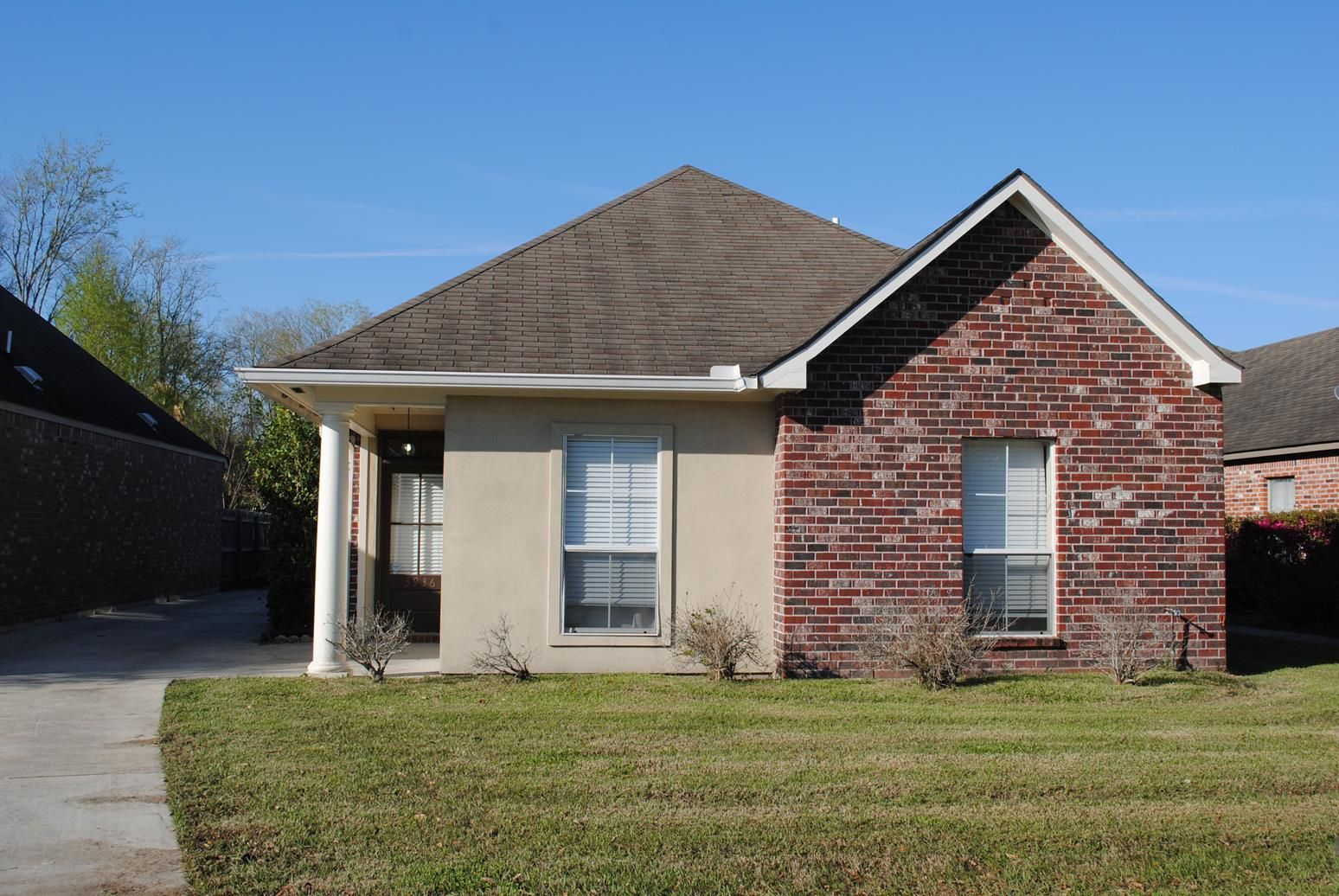 Great lake beau pre home near lsu and minutes to downtown baton great lake beau pre home near lsu and minutes to downtown baton rouge this 3 bedroom 2 bath home features ceramic tile floors in main living and wet areas dailygadgetfo Choice Image