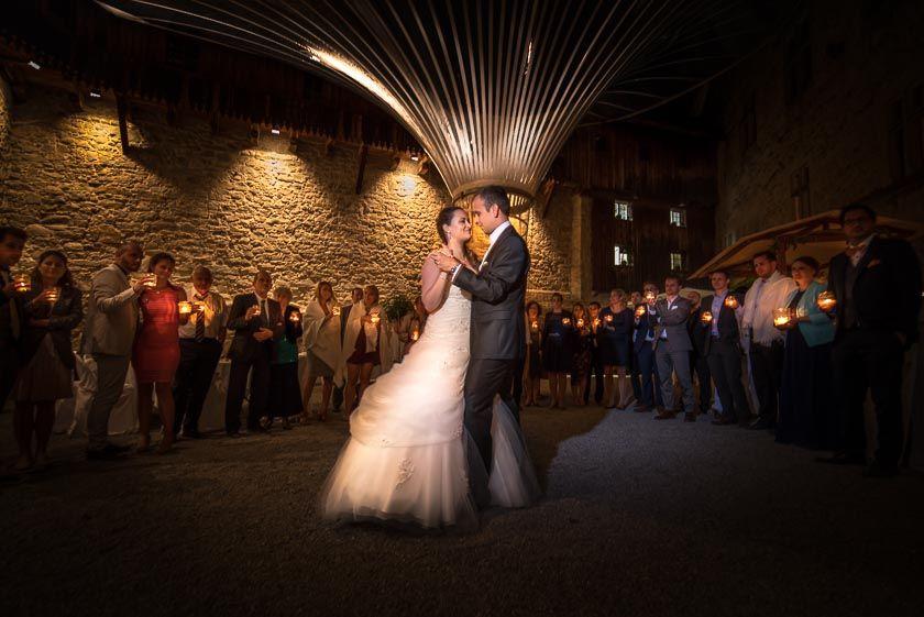Hochzeitstanz im Schlosshof von Schloss Rapperswil (Hochzeitsfotograf St.Gallen)