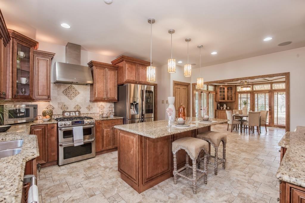 12111 Oakcrest Estates Ct, Saint Louis, MO 63128 | MLS ...