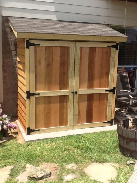 Small cedar shed do it yourself home projects from ana white small cedar shed diy projects solutioingenieria Choice Image