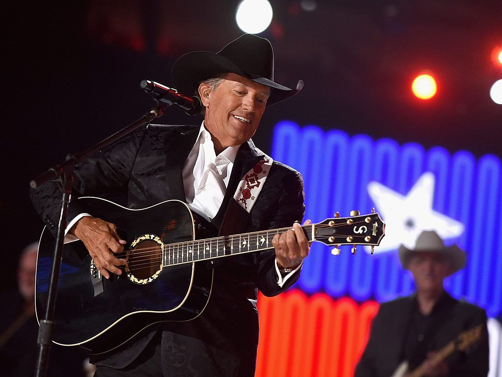 George Strait Performs All My Exes Live In Texas At 2015 Acm