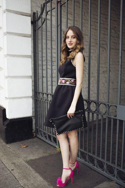 Little #blackdress | Fashion, Pink