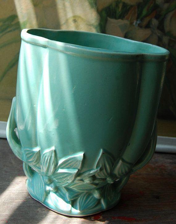 Brush Mccoy Pottery Green Vase Mccoy Vase Recipes To Cook