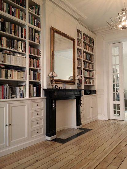 Bibliotheque Sur Mesure Realise Par Noir Ebene Bruxelles Bois Agencement Salon Design Bibliotheque De La Maison Amenagement Petit Salon