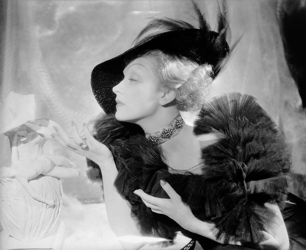 Marlene Dietrich in New York, 1937