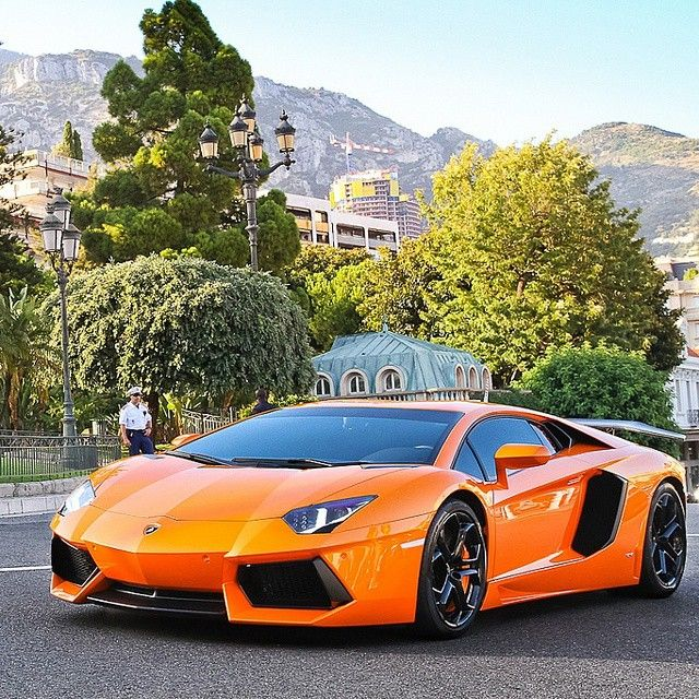 """Lamborghini Aventador 