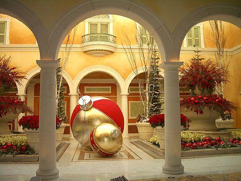 christmas las vegas decorations travel photography n2123 - Las Vegas Christmas 2014