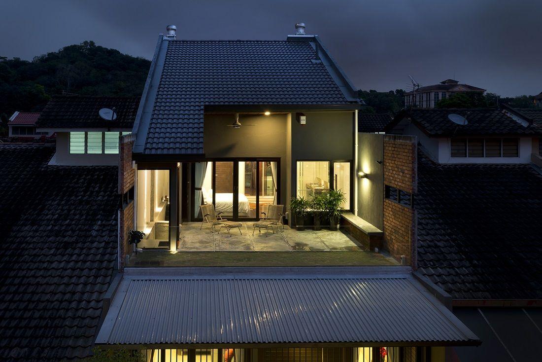 Balcony Of A Renovated 1 5 Storey Terrace House Terrace Design