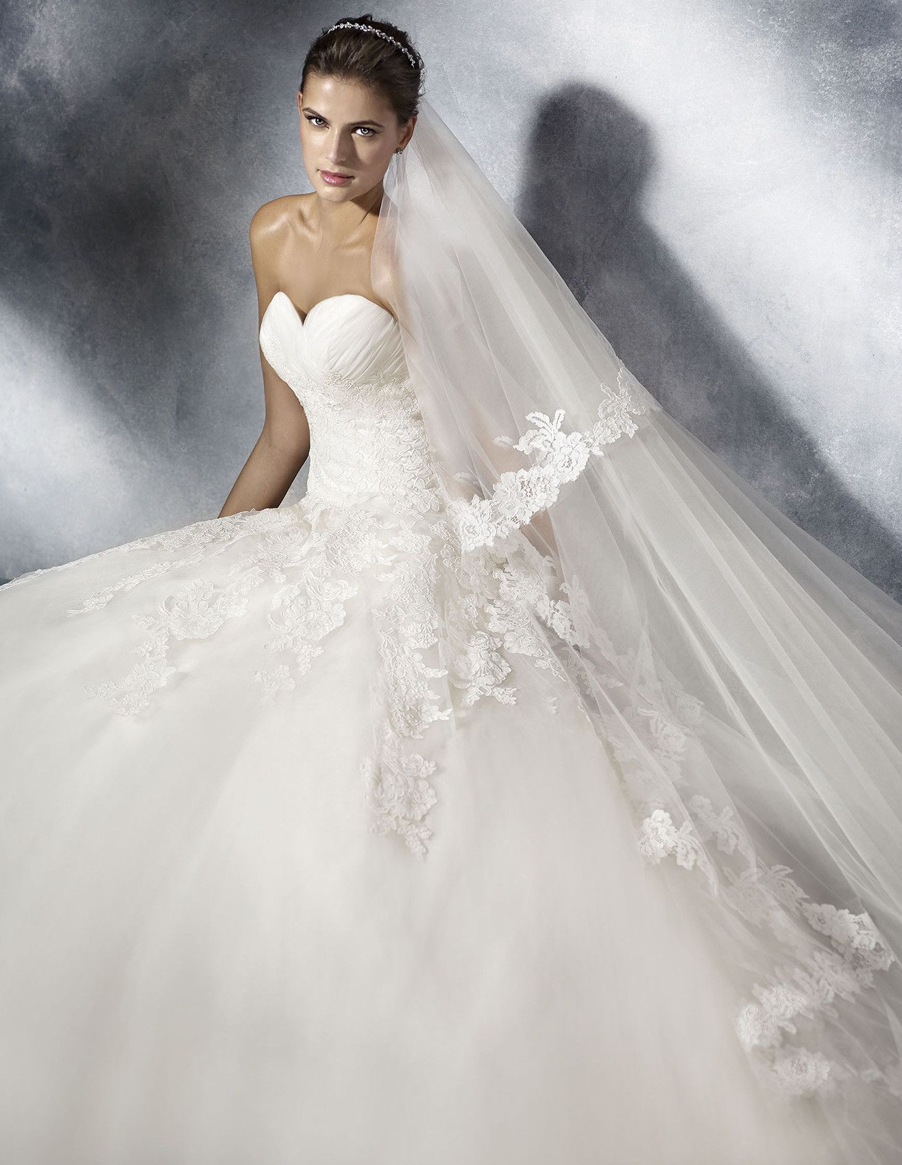 Discover the TOSCANA princess wedding dress with draped sweetheart ...
