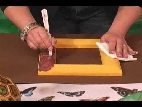 Effetto Tartaruga- Step 1 Su una cornice di polistirolo applicare un paio di mani di acrilico ocra gialla. Step 2 Sul colore asciutto applicare una certa qua...