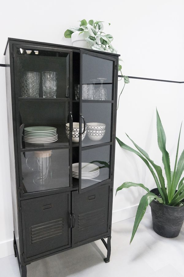 Woontrend Staal In Huis Meuble Vitrine Amenagement Salon Deco Style Industriel