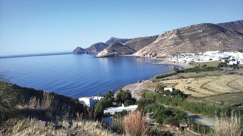 Los 12 Rincones Más Bonitos De La Costa De Almería Donde Apostarse Frente Al Mar Costa De Almeria España Turismo Almería