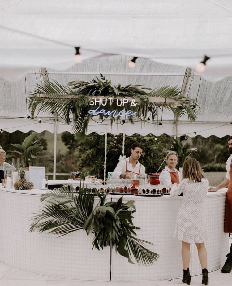 How to Style Your Wedding Bar!   Tips, Ideas and Inspiration   Hampton Event Hire   Wedding & Event Furniture Hire   Byron Bay   Gold Coast   Brisbane