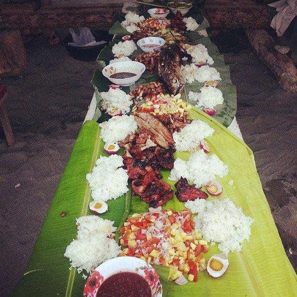 Filipino Kamayan (barehand) Eating Style