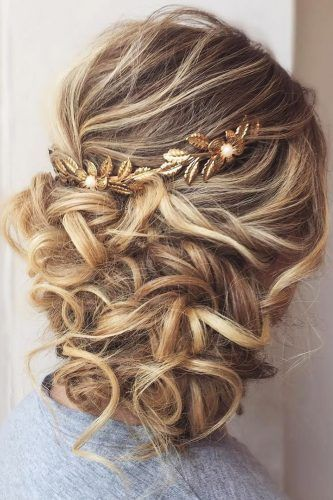 Mother Of The Bride Hairstyles 63 Elegant Ideas 2020 Guide Mother Of The Groom Hairstyles Mother Of The Bride Hair Long Hair Styles