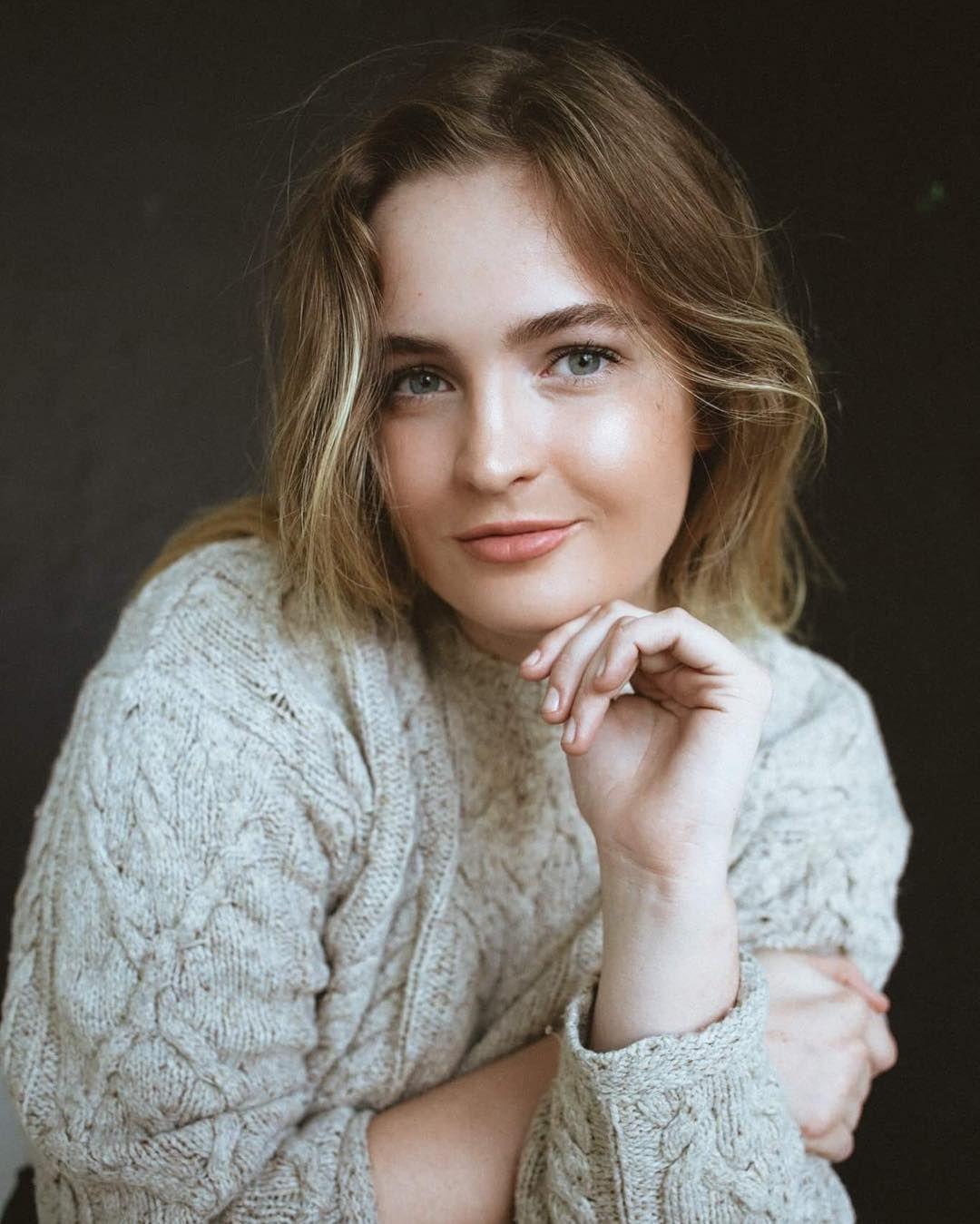 Eva Roberts