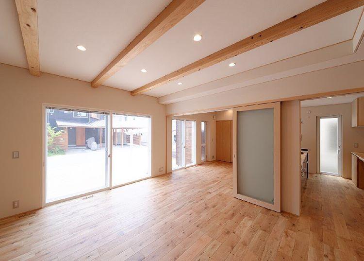 オーガニックスタジオ兵庫株式会社はinstagramを利用しています 構造体の梁を天井のアクセントとして化粧仕上げとする 梁 構造 天井
