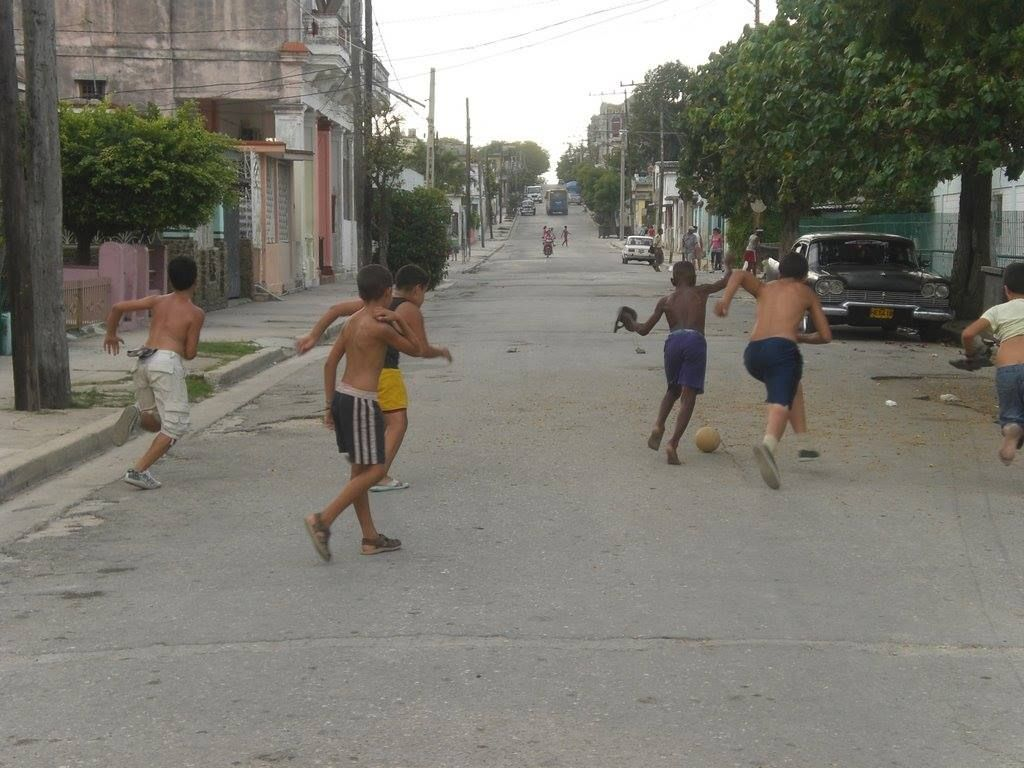 Ninos Jugando Futbol En Calle B 16 Y 17 Lawton By Cuban1991 Photo