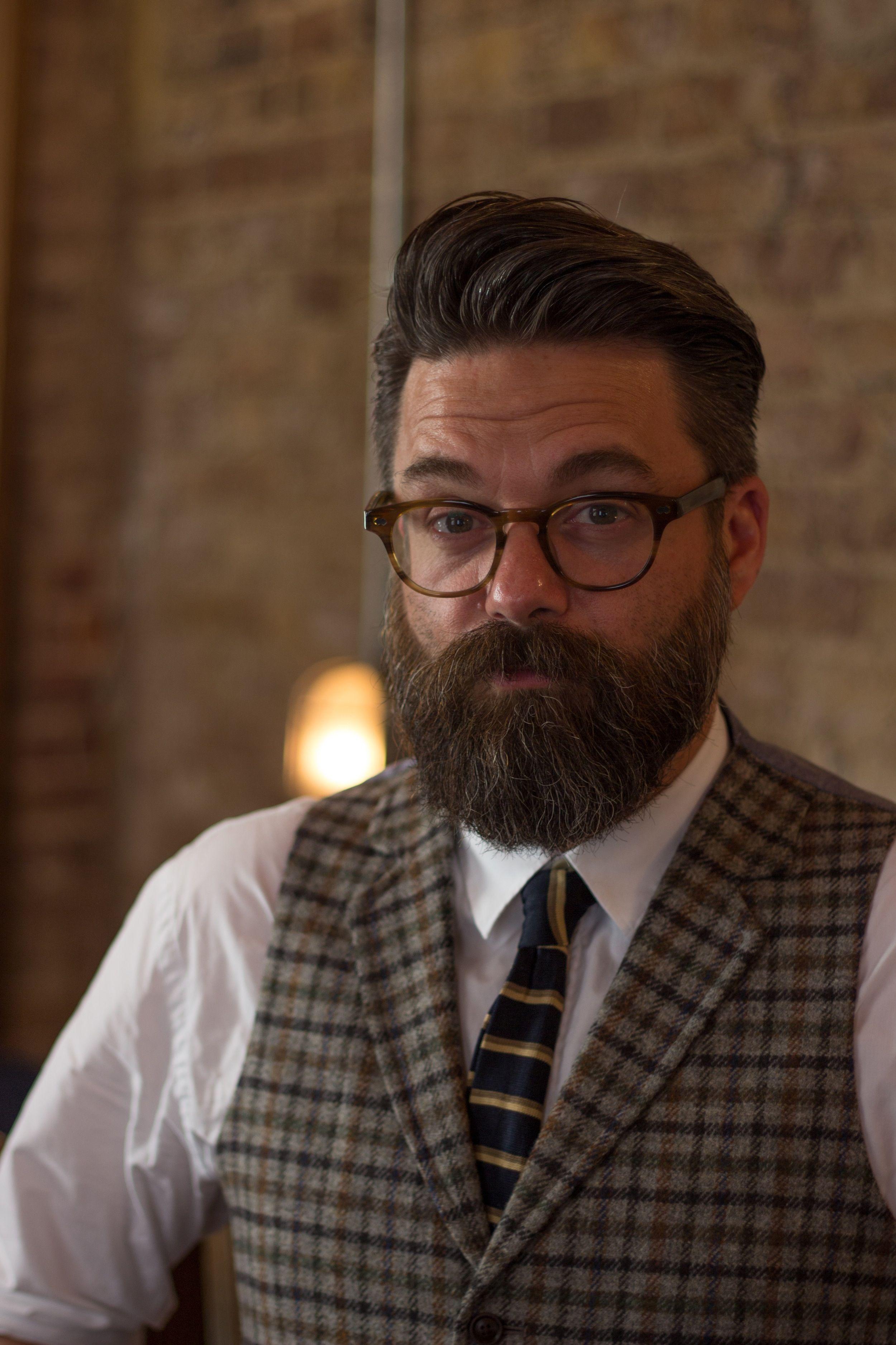 Modern pompadour beard - George V Beard Heavy Moustache Worn As A Handlebar Solid In The Chin