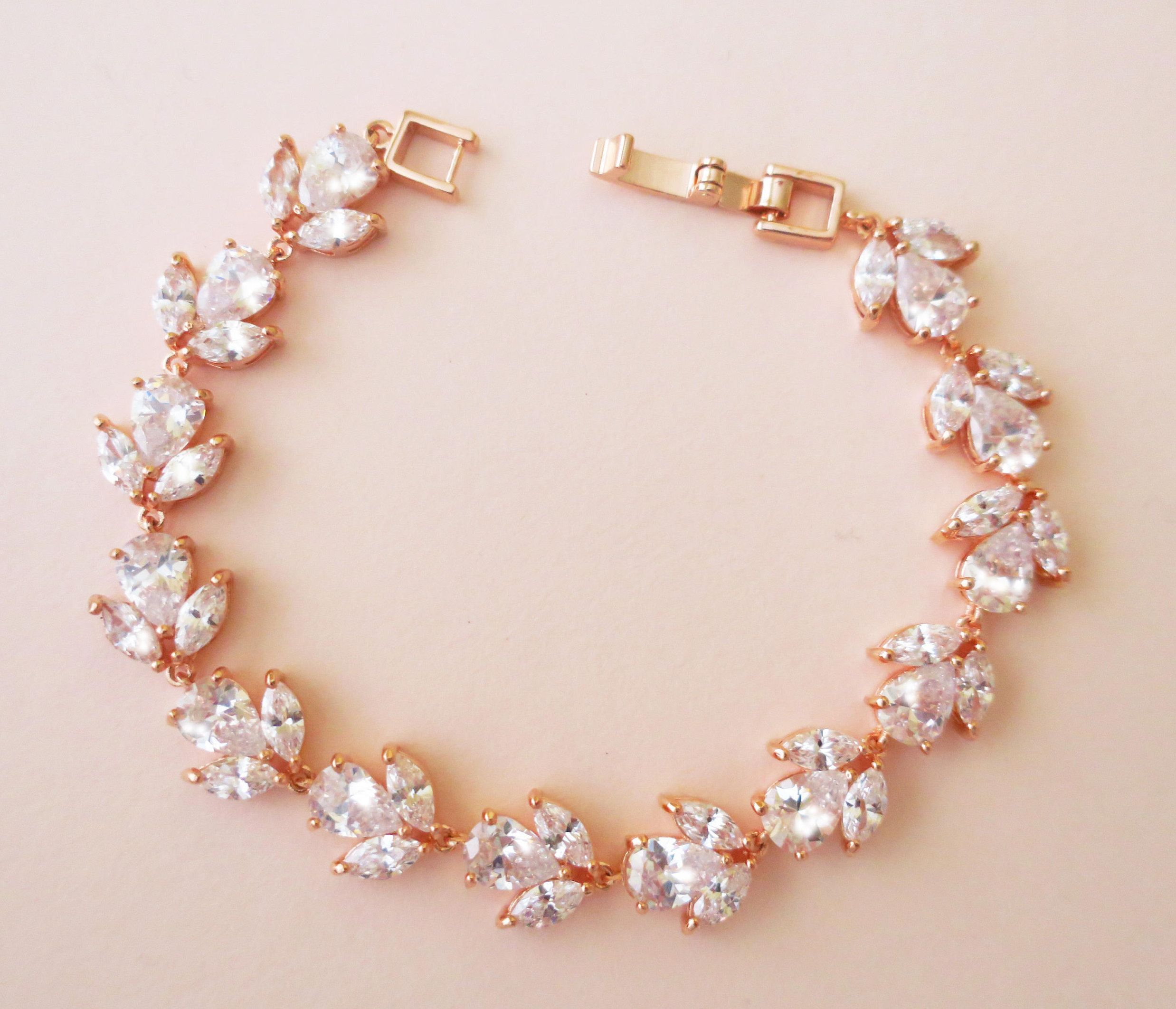 """Bride Creme Pearl Gold Tone Bracelet with Fancy Clasp 8/"""""""