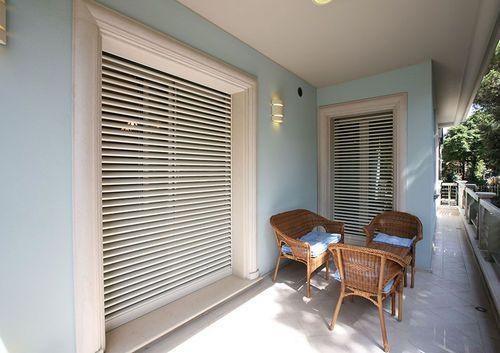 Contraventana enrollable / de aluminio / para ventana / eléctrica ...