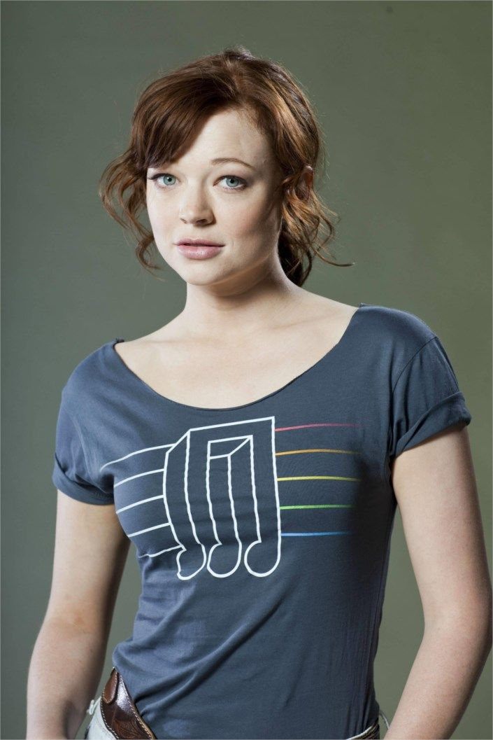 Sarah Snook to star in STCs Saint Joan - Theatrepeople