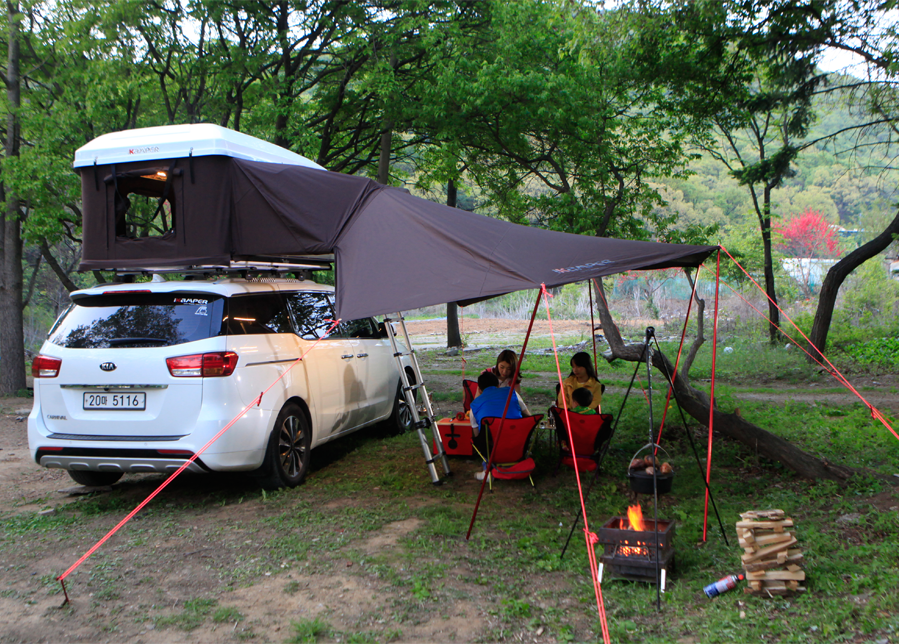 Ikamper S Main Products Are Three Roof Top Tents Skycamp Hardtop One And Road Trip Ikamper Car Tents Produce The Best Cam Roof Top Tent Top Tents Roof Tent