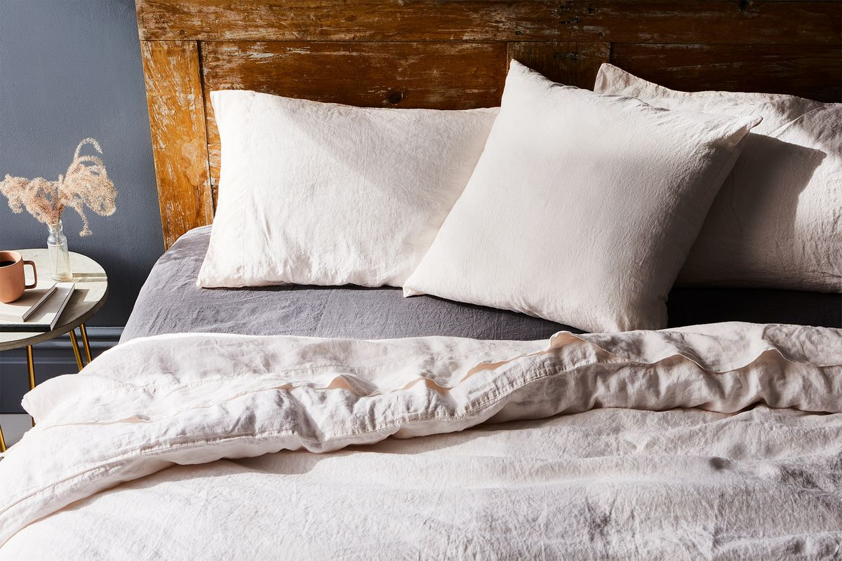 6 Things You Should Know If You Re Switching To Linen Sheets In 2020 Linen Bedding Linen Sheets Bed