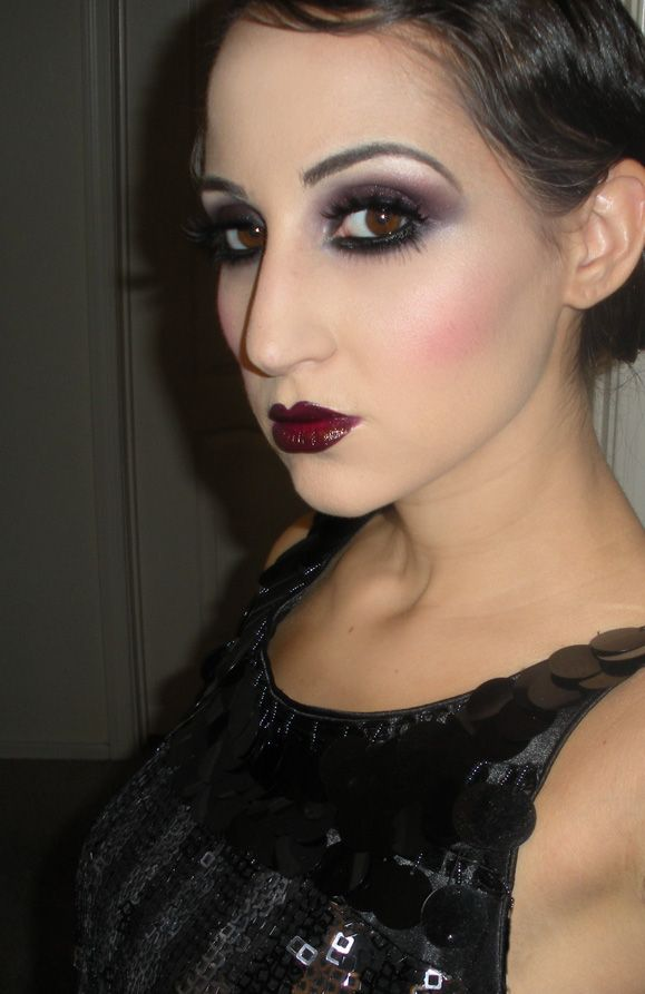 LC makeup artist: September 2011    The flapper look