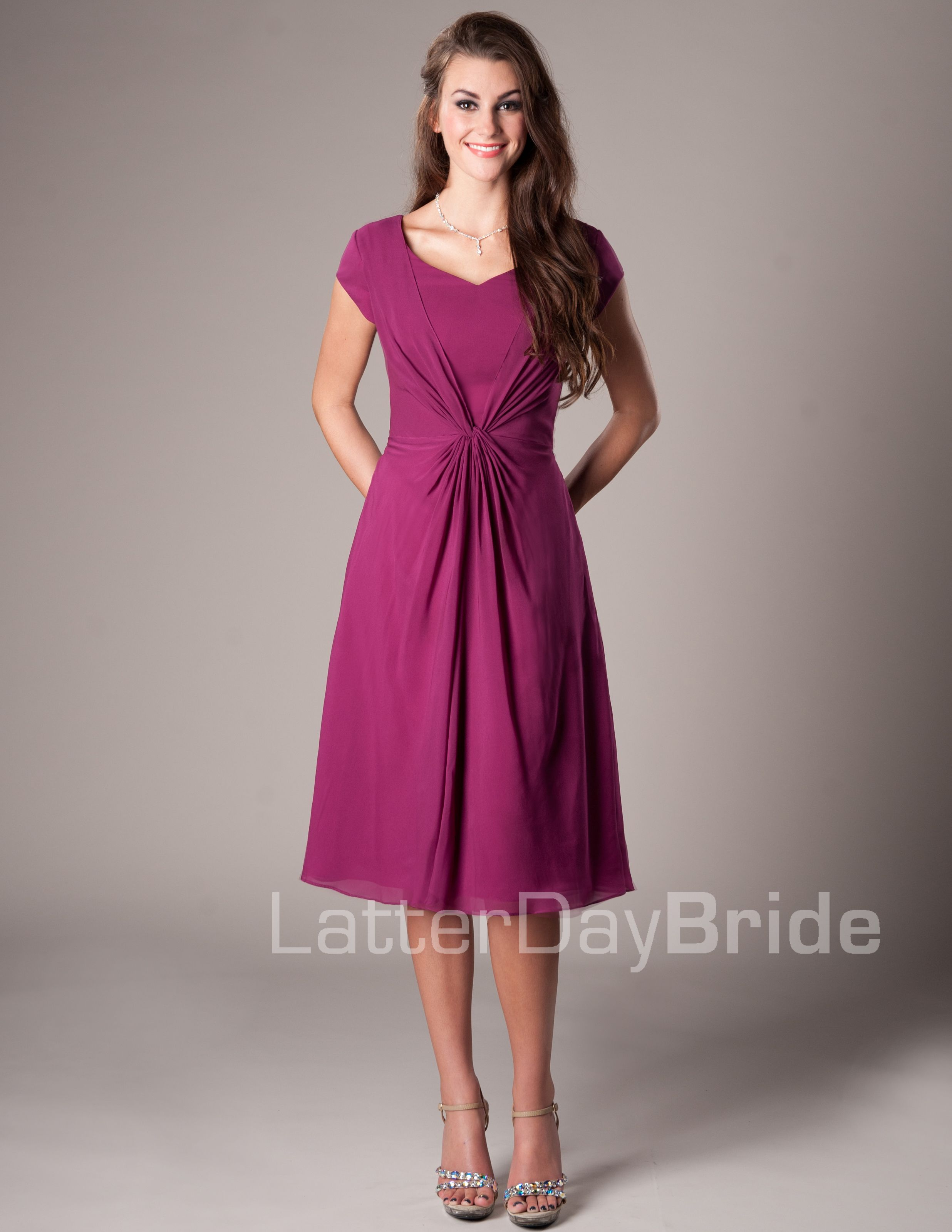 Devon Modest Mormon LDS Bridesmaid Dress | Vestidos de Dama de Honor ...