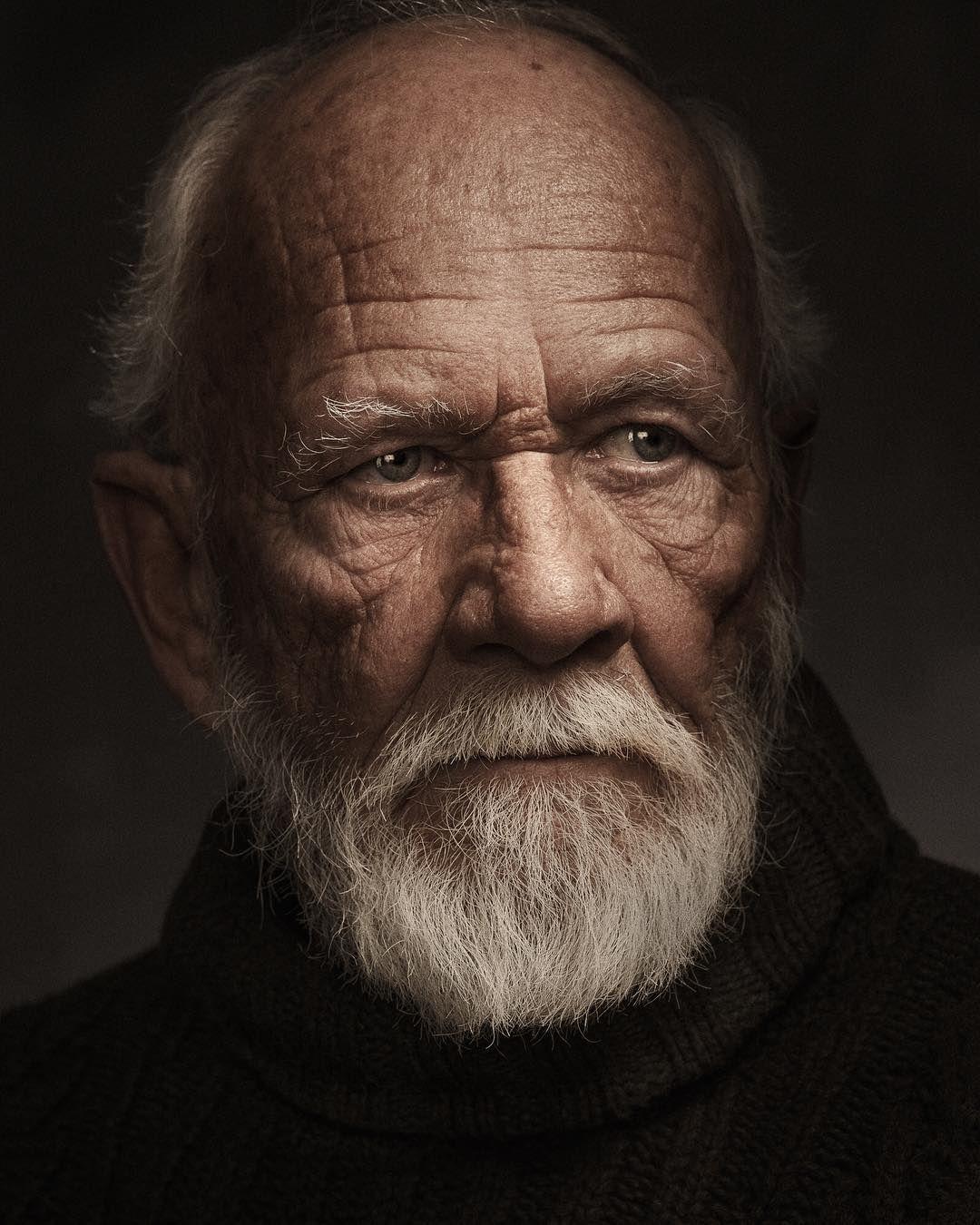 Cinematic Painterly And Fabulous Fine Art Portraits By Chris Knight Old Man Portrait Fine Art Portraits Male Portrait