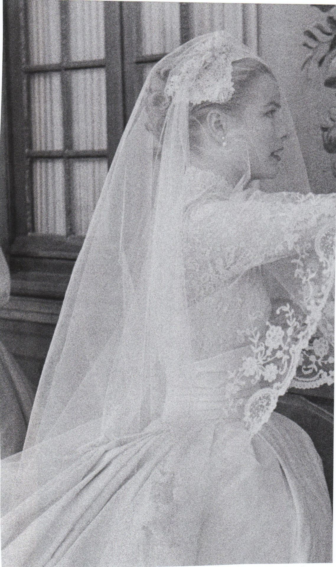 Princess Grace Of Monaco Grace Kelly Wedding Grace Kelly Wedding Dress Royal Wedding Gowns [ 1920 x 1138 Pixel ]