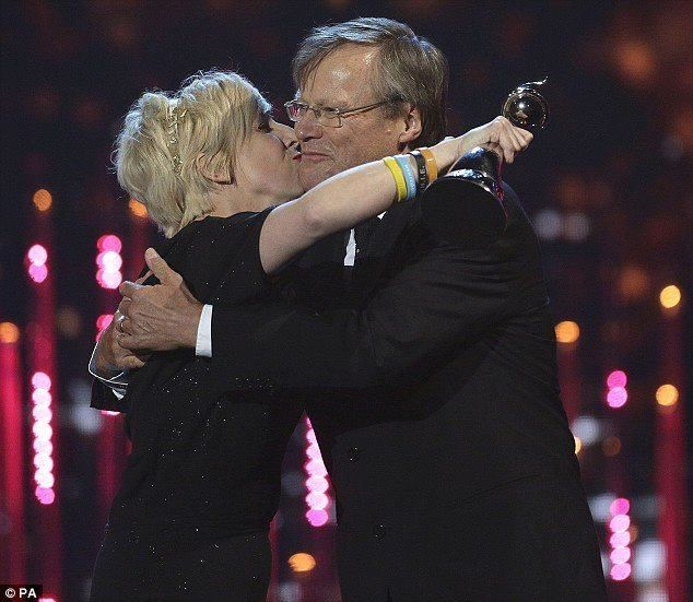 This has to be my favourite photo of the night of Julie Hesmondhalgh (Hayley) and David Neilson ( Roy ). I cried tonight with happiness when Julie won the award but I would have been just as emotional had David won. ....They both deserve that award. I loved their chemistry on screen. Their partnership and acting made Roy and Hayley truly believable and that is why we will miss Hayley so much. xxx