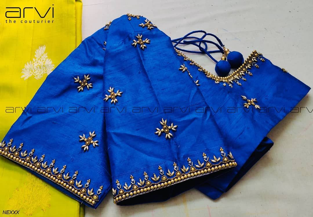 "Arvi the couturier on Instagram: ""Embroidery for classy lovers #simple #neat #bride #bridalwear #bridaloutfit #southindianbride #southindianwedding #wedding #marriage…"" #blousedesigns"