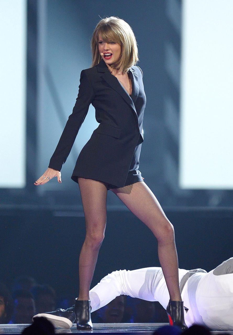 Celebs In Pantyhose Nylons Stockings Photo Taylor Swift Legs Taylor Swift Hot Taylor Swift Style