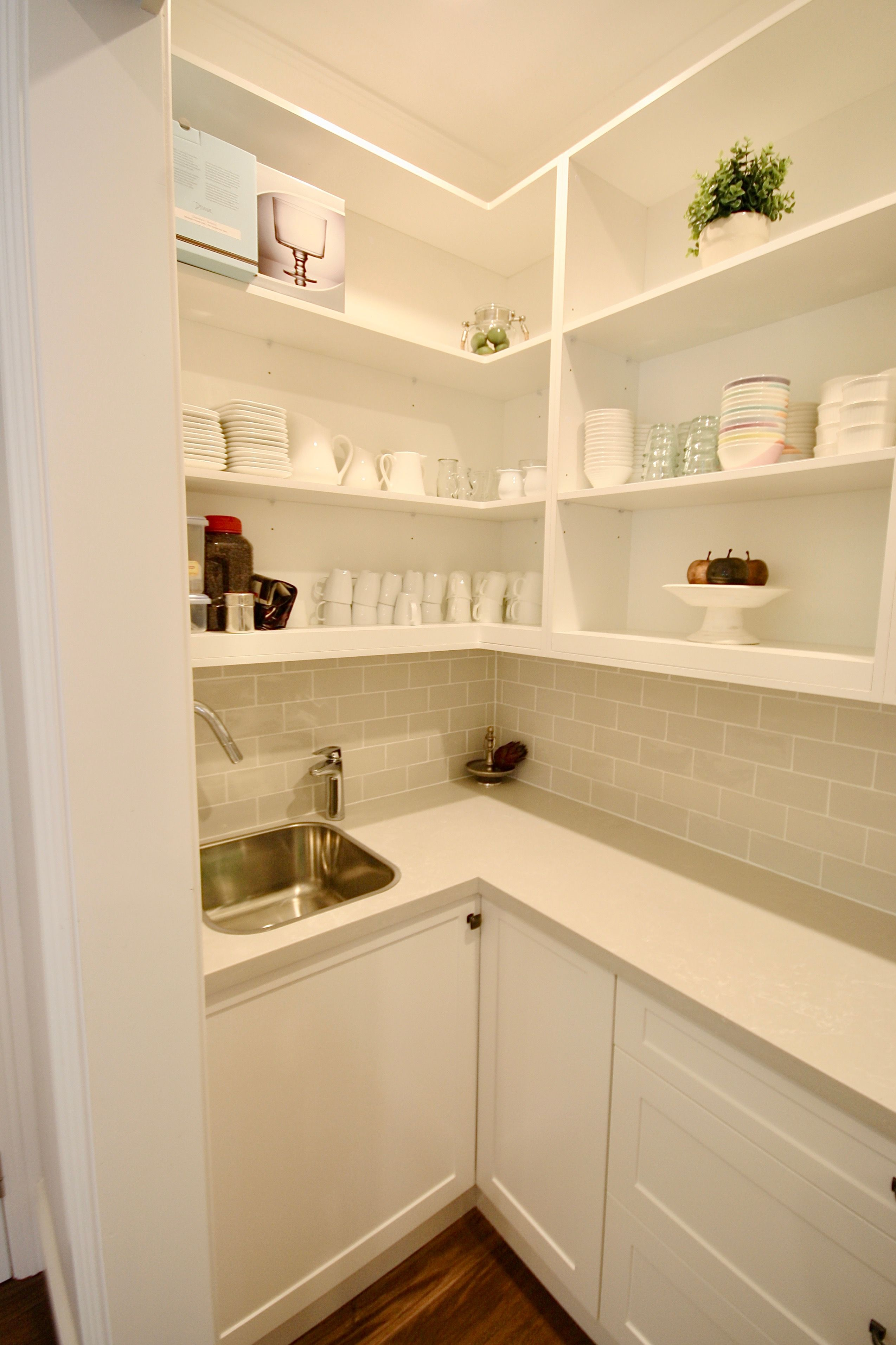 Best Modern Butlers Pantry Custom Built Butlers Pantry With A 400 x 300