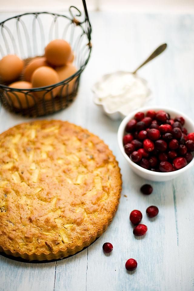 Thanksgiving Recipes : Apple, Cranberry and Pecan Torta with spiced whipped cream recipe