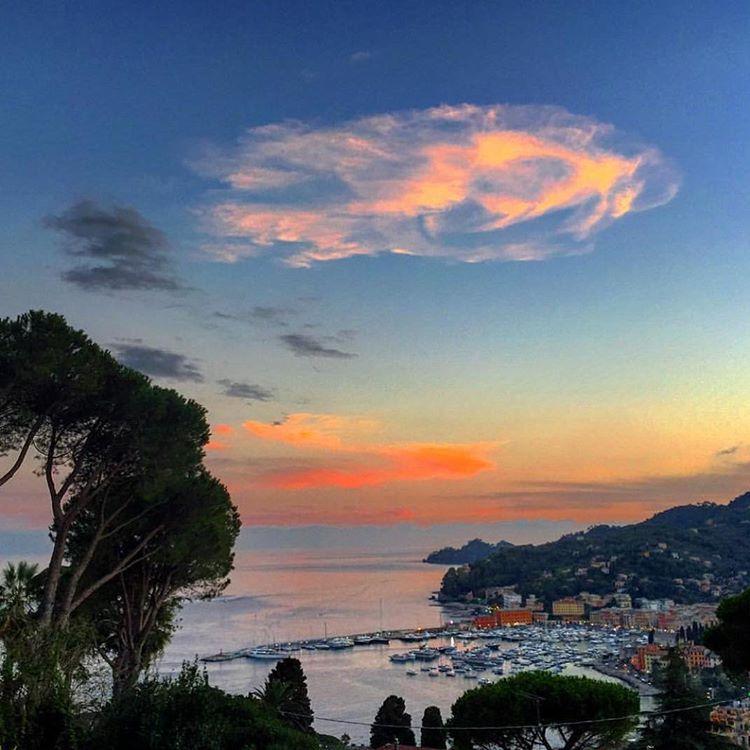 I LOVE ❤️ SANTA sur Instagram: Thanks for this picture to:@maria_cersosimo #santamargheritaligure#genova#liguria#rivieraligure#tigullio#portofino#milano#fortedeimarmi#viareggio#livorno#goodmorning#chiavari#albaro#