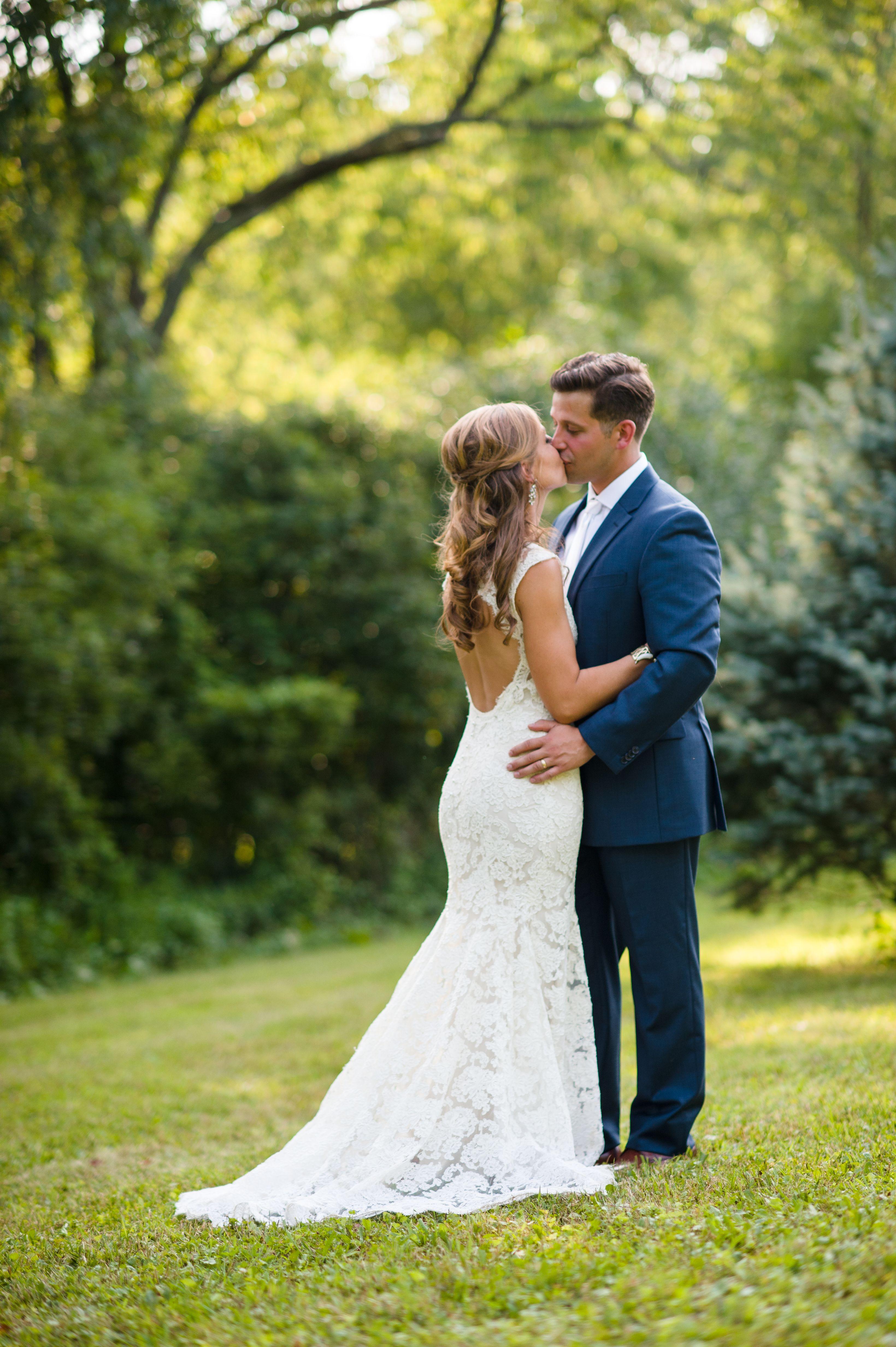 Keyhole Lace Dress For Summer Outdoor Wedding Sooo Pretty Summer Wedding Outdoor Sheath Wedding Dress Summer Dresses [ 4928 x 3280 Pixel ]