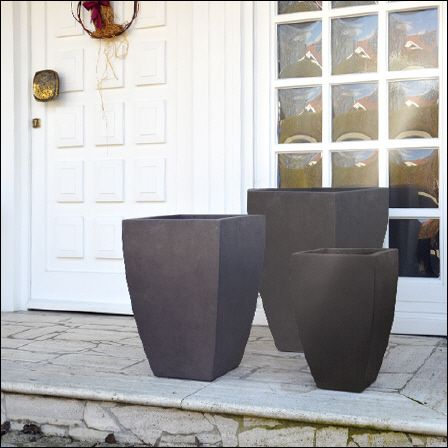Pflanzkübel Datura im 3er-Set mit konisch-gerundeter Form in braun ...