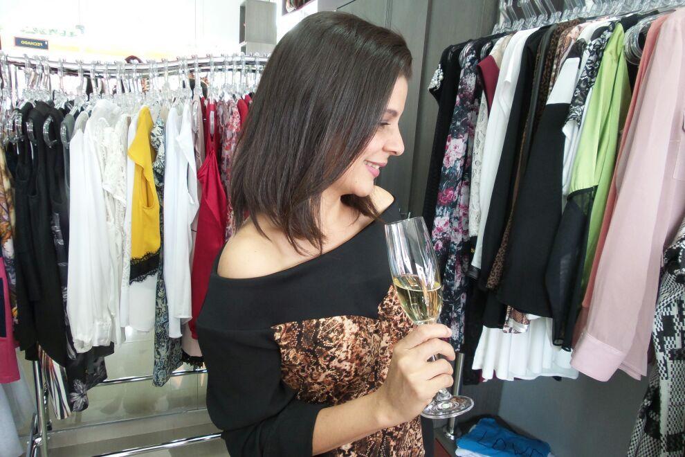 Preparando o Happy Hour com os amigos na loja Lazzuli na próxima quarta-feira (28/05). A partir das 18h. Vamos???