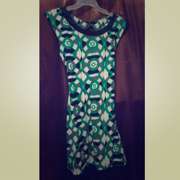 Shortsleeves dress Very comfy and cute, ticket says Large but Mediums can fit Dresses