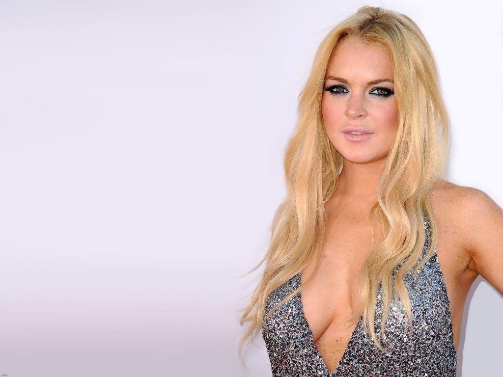 Lindsay Lohan | Saca Lindsay Lohan a la venta su guardarropa para pagarle al fisco
