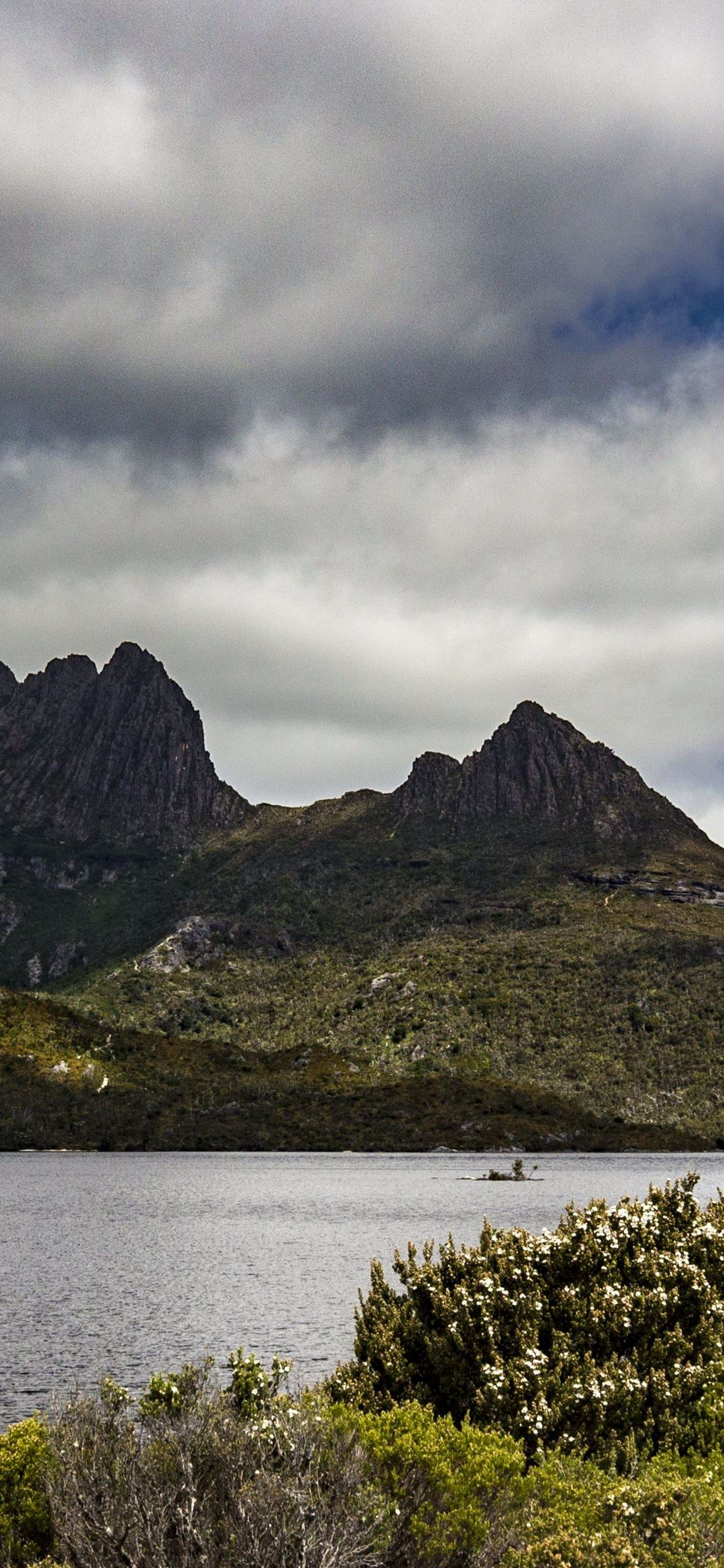 Cradle Mountain Tasmania Green Black Mountains Wallpaper Iphone X