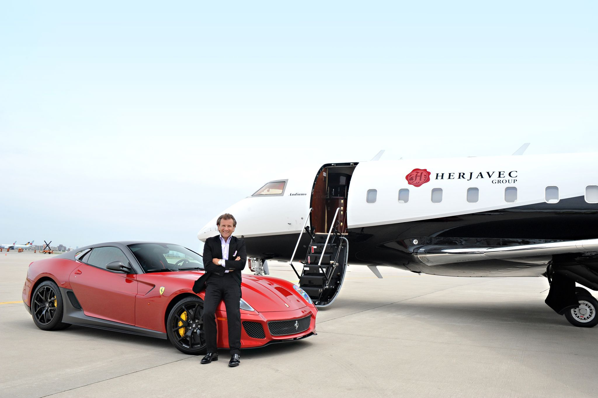 Robert Herjavec Founded The Herjavec Group Thg In 2003 Delivering
